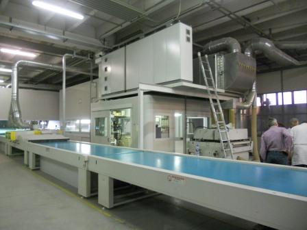 Lackierroboter mit Hochtrockner und UV Polymerisation (9)