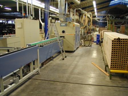 Produktionsanlage-für-Türen-Zierbekleidungen (6)