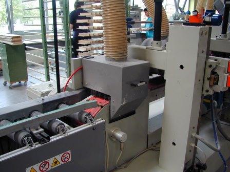 Schubkasten-Massivholz-Fräs-Schleif-Beschichtungsanlage (4)